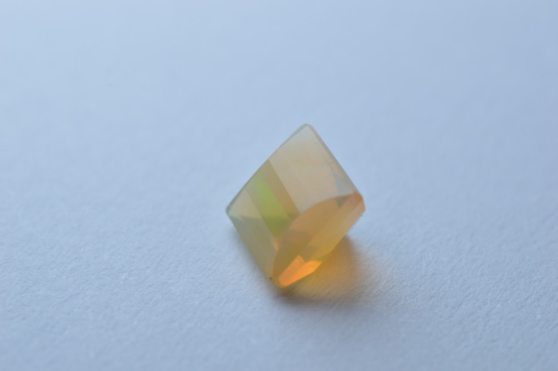 Faceted Opal KG1 5,2mm x 5,15mm x 4,48 mm 0,5ct