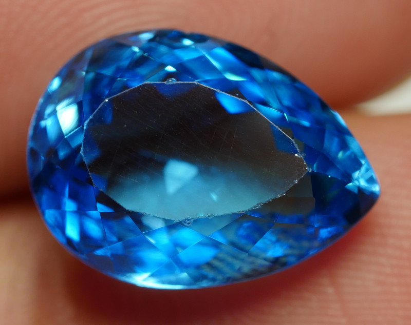 7.75 CRT LOVELY SWISS BLUE TOPAZ VERY CLEAR-
