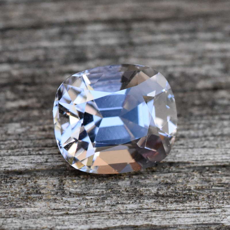 1.58cts Grey Spinel - Metallic Luster (RS139)