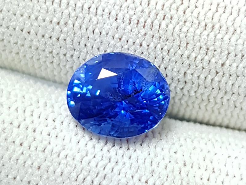 CERTIFIED 4.16 CTS NATURAL STUNNING CORNFLOWER BLUE SAPPHIRE FROM SRI LANKA
