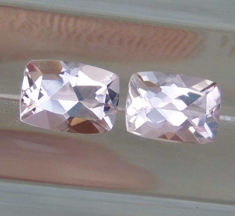 7x5mm  Morganite Pink Cushion