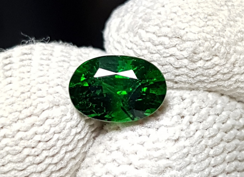 UNHEATED 1.18 CTS NATURAL BEAUTIFUL VIVID GREEN TSAVORITE GARNET KENYA