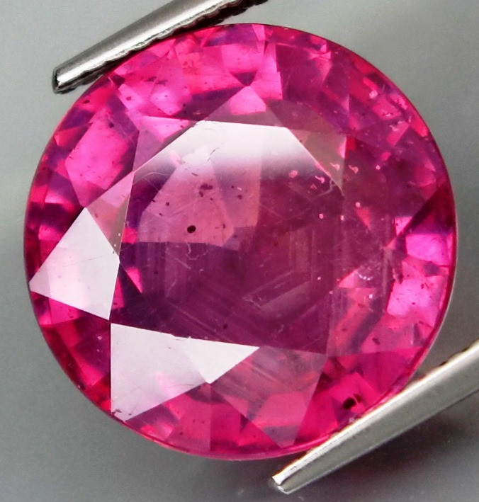 17.64 Cts . Top Quality Natural Ruby Winza Tanzania Gem