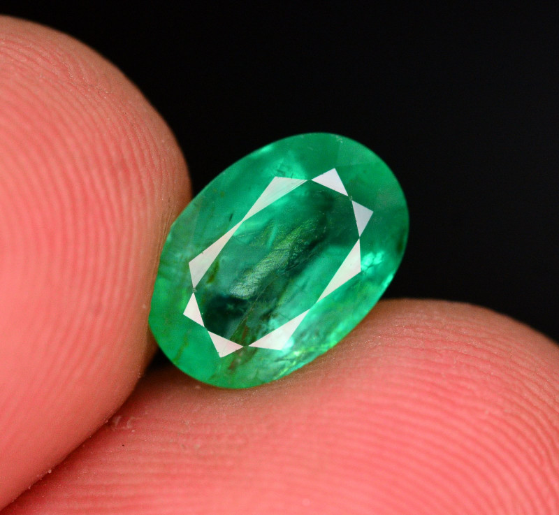 GGL Certified ~ Top Quality 1.95 Ct Natural Zambian Emerald