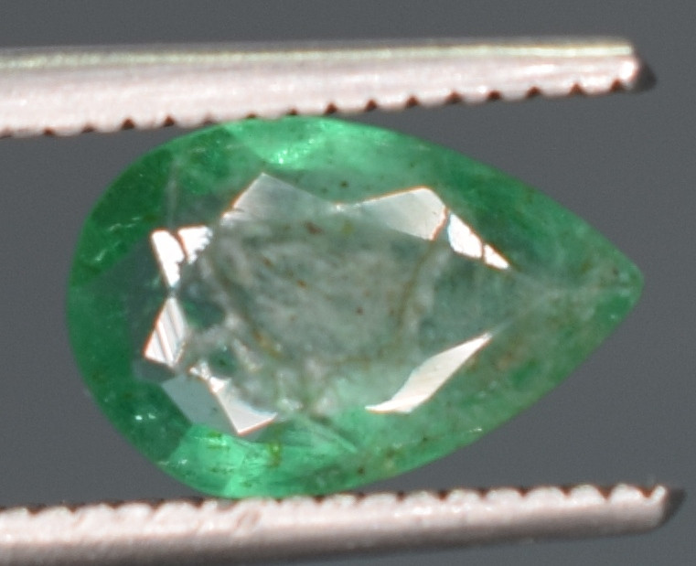 0.70 Carats Natural Emerald Gemstone
