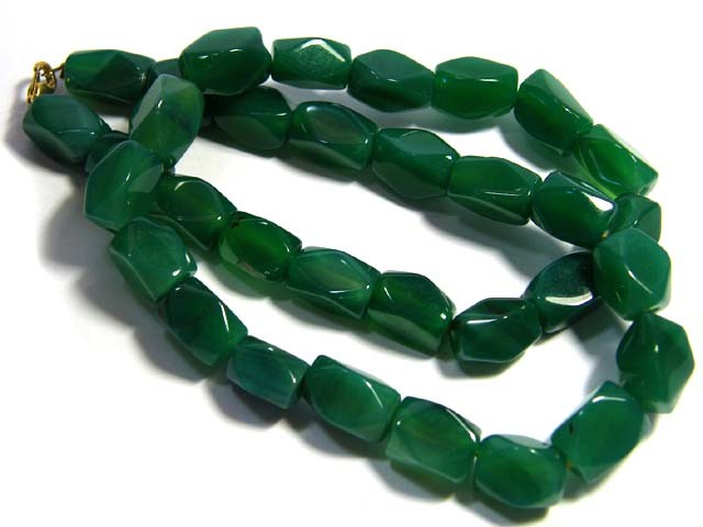 AFGHANISTAN EMERALD GREEN JADE NECKLACES 465 CTS SGS1017