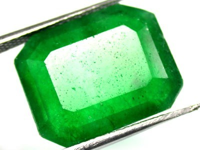 Quartz Emerald Green colour  12   carats   QU 214