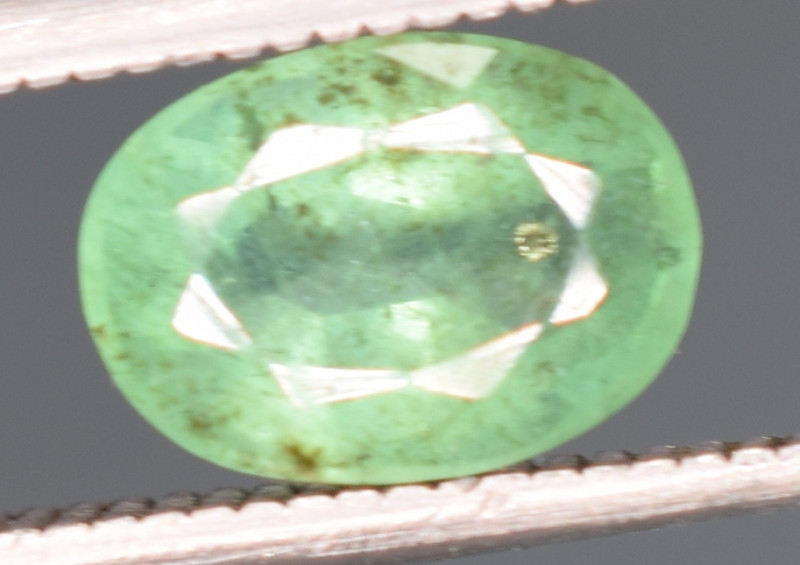 1.05 Carats Natural Emerald Gemstone