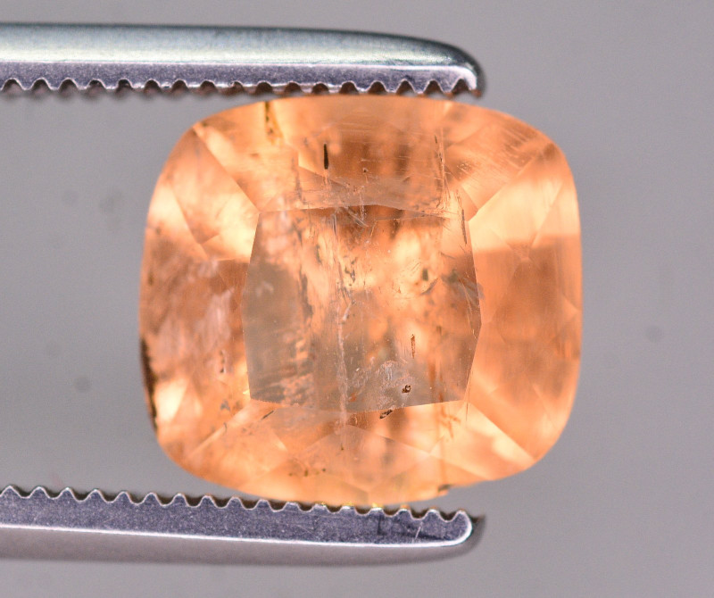 Top Color 2.70 Ct Natural Imperial Topaz. RA