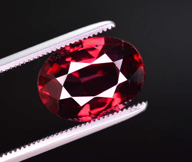 AAA Quality 4.55 Ct Natural Mahenge Garnet