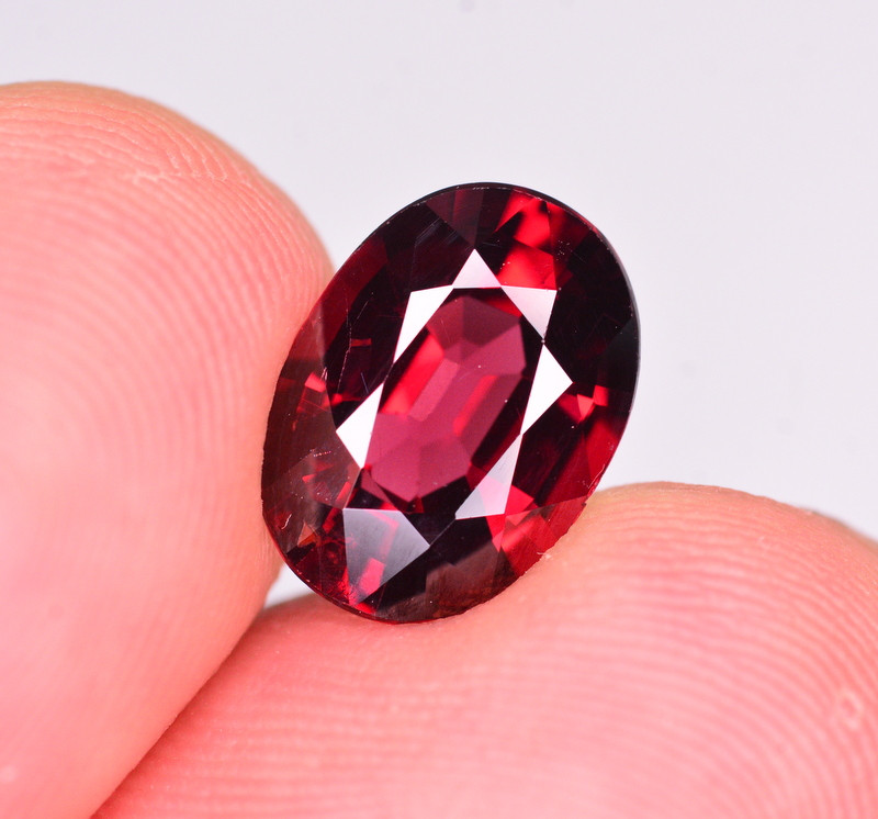 AAA Quality 4.10 Ct Natural Mahenge Garnet
