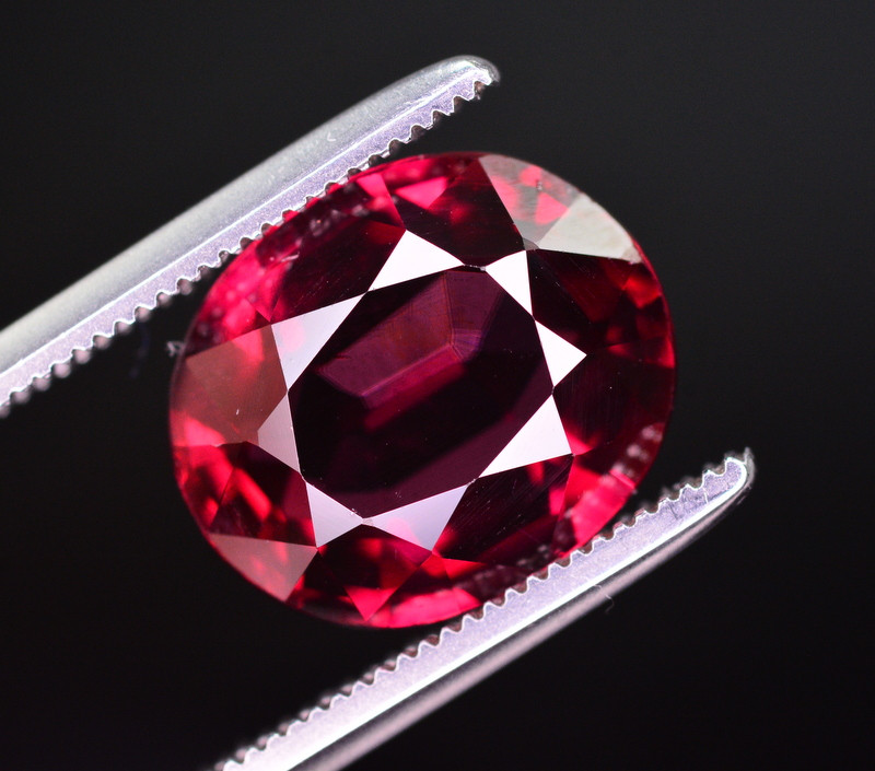Top Quality 4.75 Ct Natural Mahenge Garnet