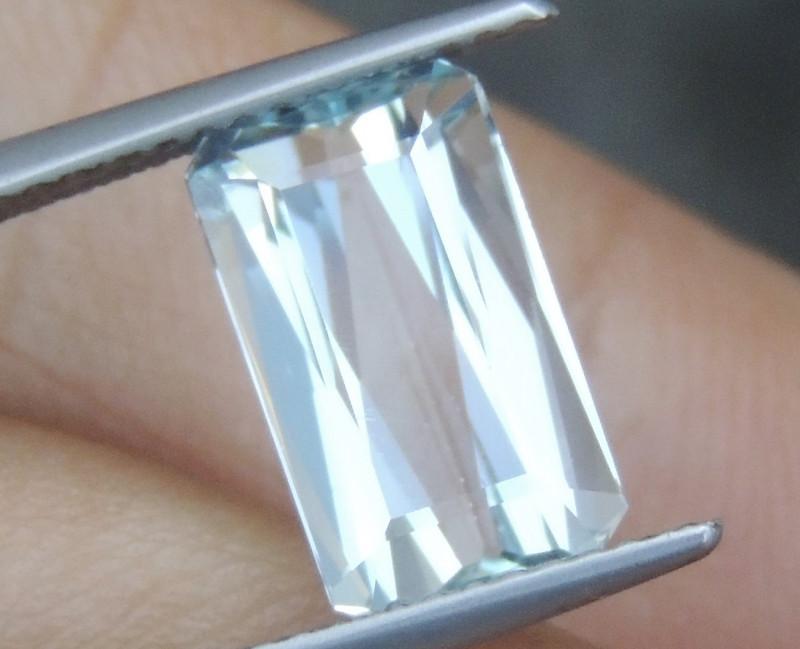 3.19cts  Aquamarine,   Clean,