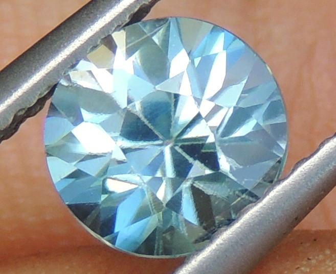 6mm Round Natural Zircon Blue