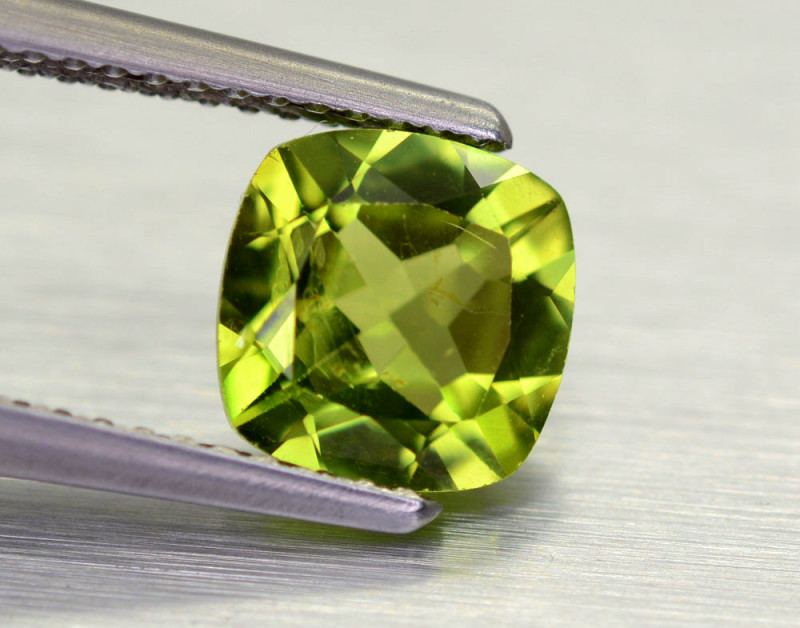 1.55 Cts Brilliant Natural Peridot,Burma