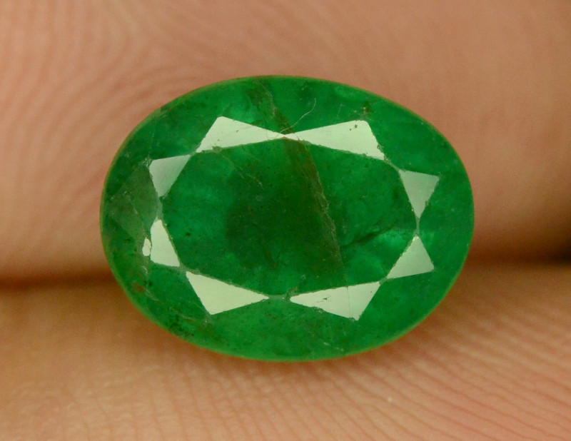2.05 ct NATURAL GREEN ZAMBIAN EMERALD