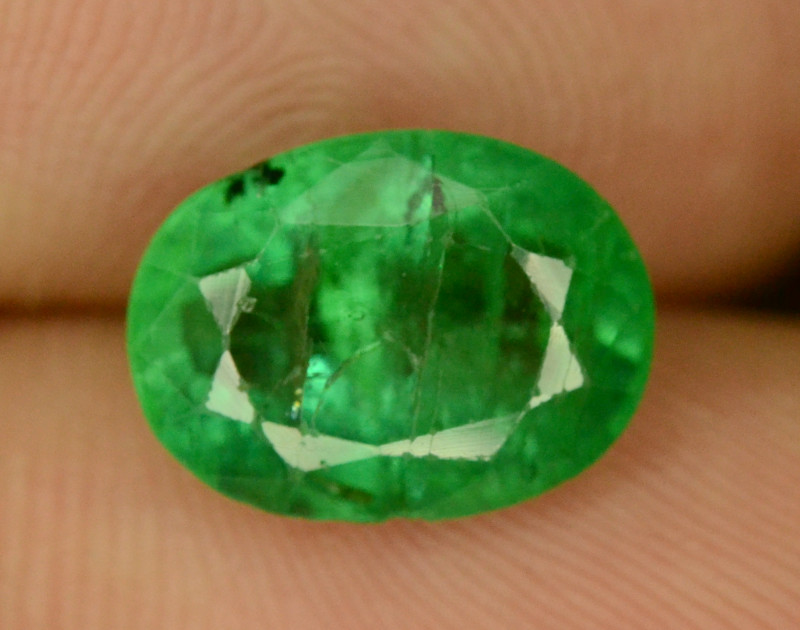 2.65 CT NATURAL GREEN ZAMBIAN EMERALD