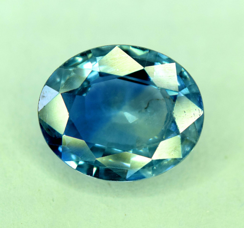 2.20 Carats Gorgeous Color Natural Royal Blue Sapphire Gemstone