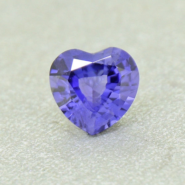 N/R Natural UNHEATED Sapphire Heart, well-cut(01381)
