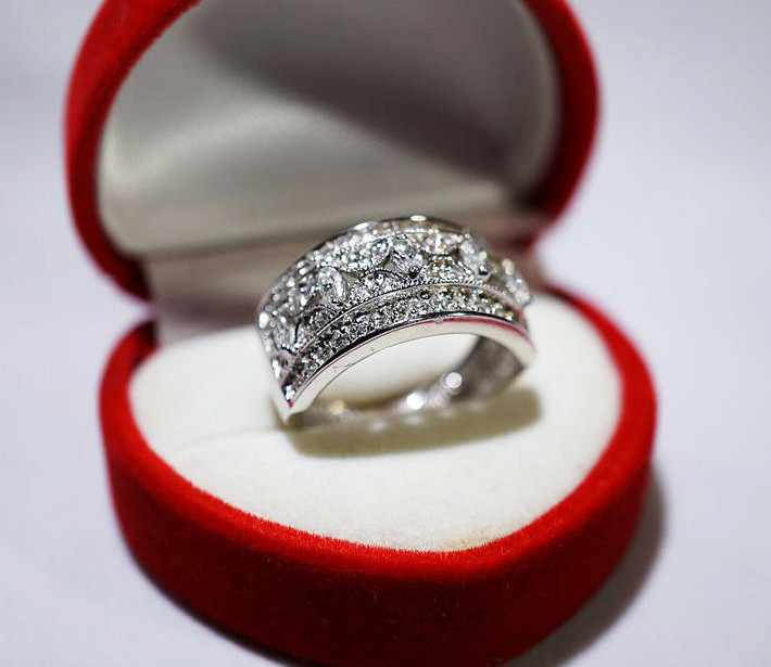 Price Reduced! 1.03 tcw Diamond/Solid 14 K Gold Ring Certified Size 7.25