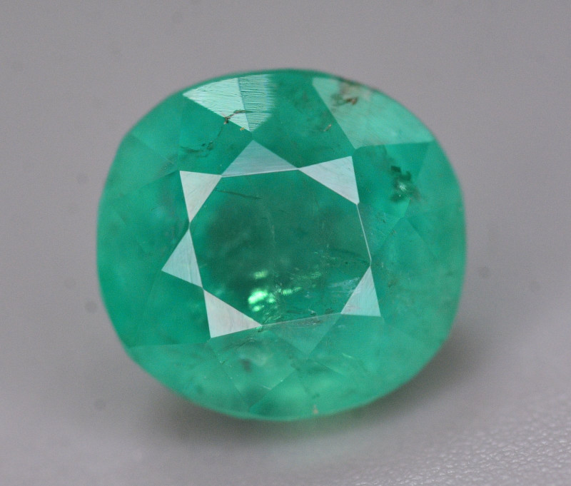 Top Color 3 Ct Natural Emerald From Swat