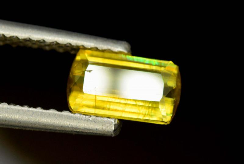 1.50 cts Full Fire Sphene Titanite Gemstone