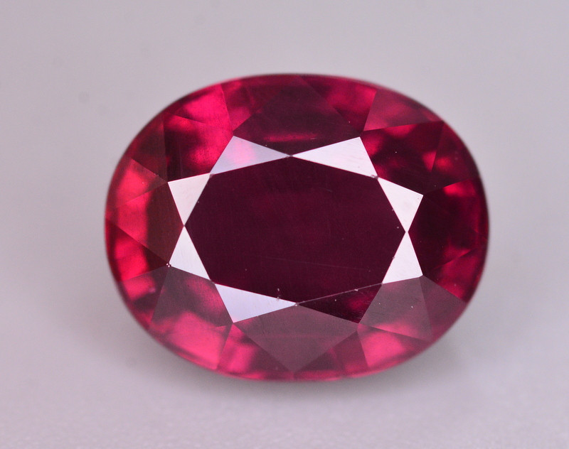 Top Quality 4.10 Ct Natural Grape Garnet From Mozambique