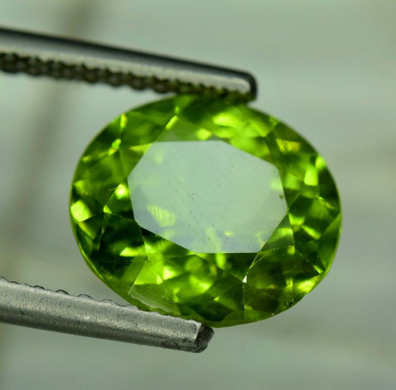 5.50 Carats Top Grade Oval Cut Natural Olivine Green Natural Peridot