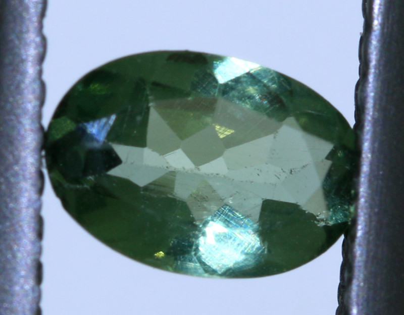 0.45 carats Green Sapphire