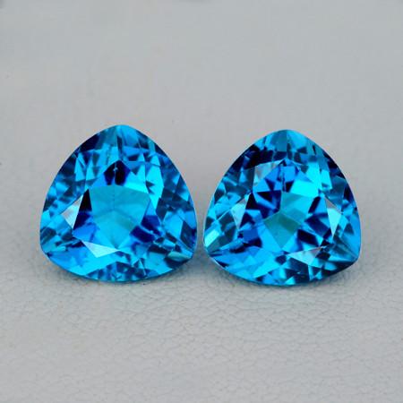 8.00 Trillion 2 pcs 4.08cts Swiss Blue Topaz [VVS]