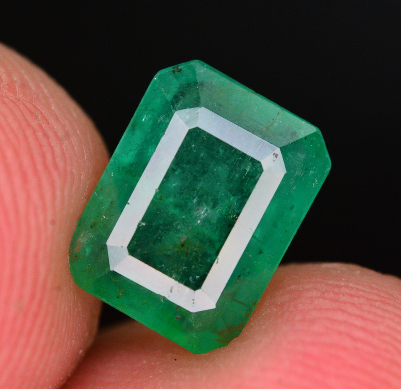 1.95 Ct Natural Zambia Emerald Gemstone