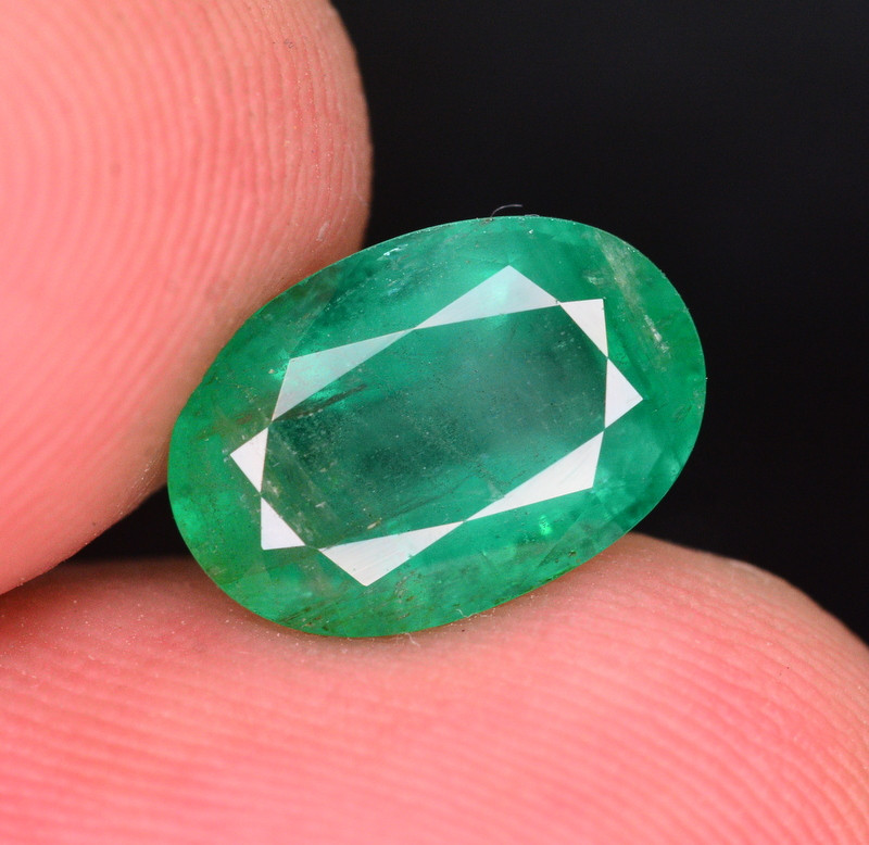 2.75 Ct Natural Zambia Emerald Gemstone