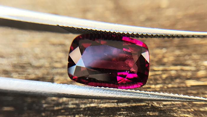 2.83ct - Rose Rhodolite Garnet
