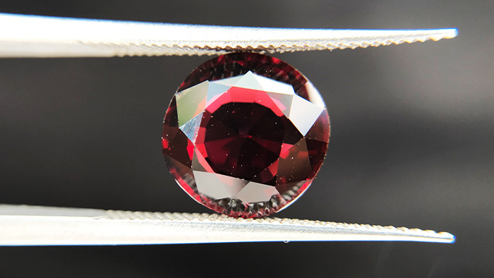 3.90ct - Rhodolite Garnet