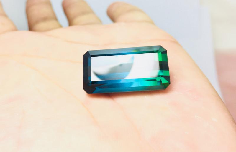 40.4 Cts VVS Amazing Green Blue  Bio Color Tourmaline stone