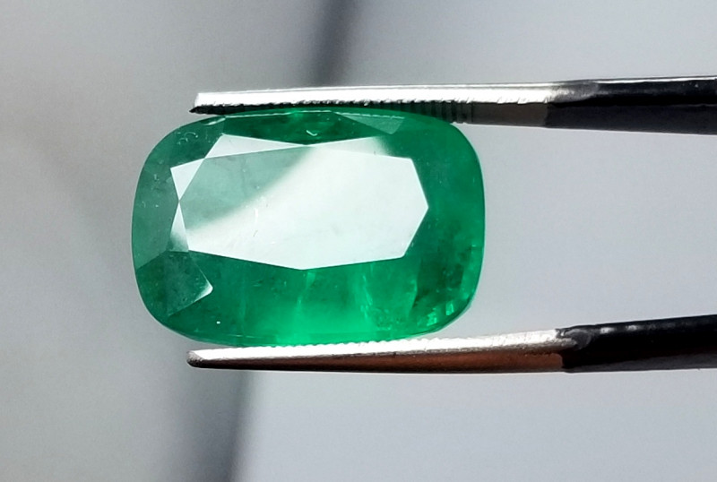 14 Cts Natural Big Ethiopian Emerald gemstone