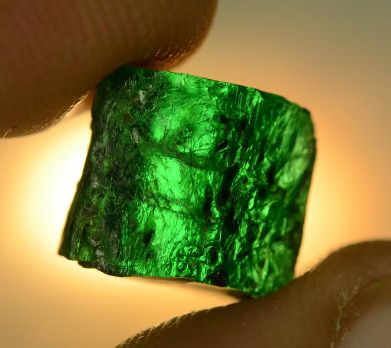 5.65 CT NATURAL GREEN ZAMBIAN ROUGH EMERALD