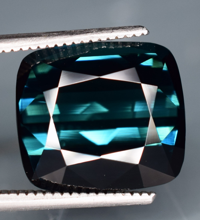 5.95 Carats Tourmaline Gemstones