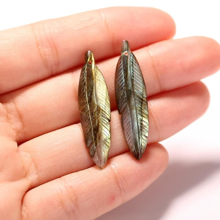 New design natural gemstone Labradorite carved Feather shaped earrings bead