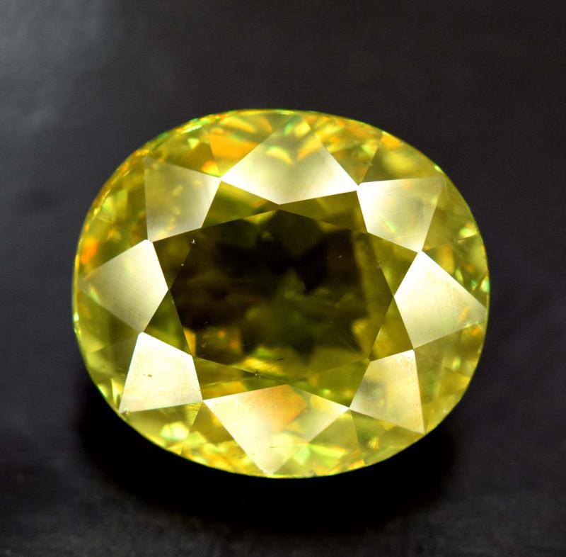 4.40 Carats Full Fire Sphene Titanite Gemstone