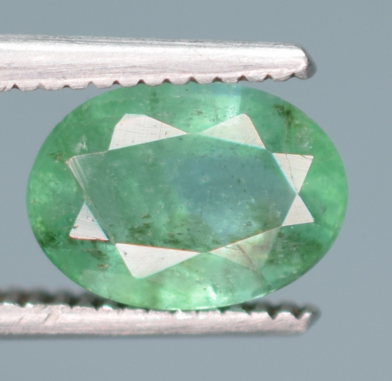 1 Carats Natural Emerald Gemstone