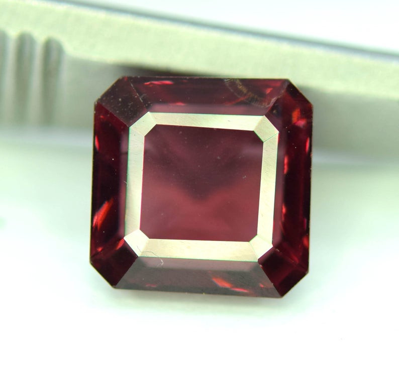 3.05 cts Red Color Spinel Gemstone from Burma