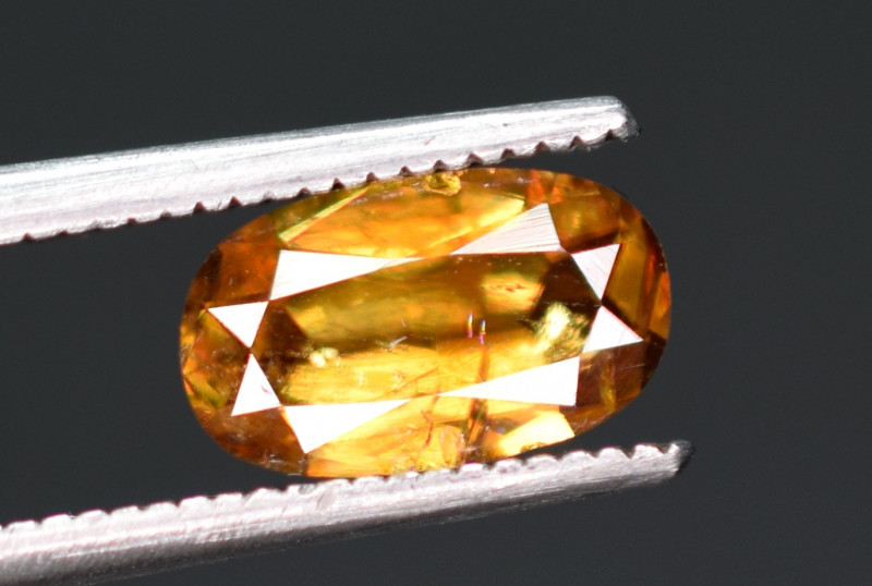 1 carats fiery sphene tantanite Gemstone