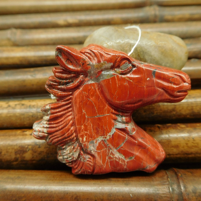 Red river jasper horse pendant carving animal jewelry (G0046)