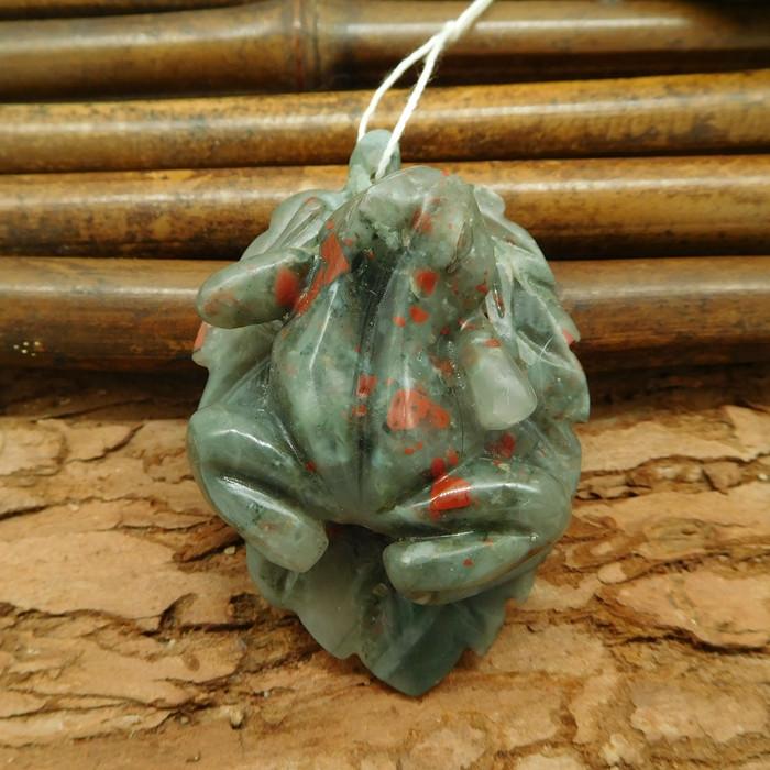 Natural frog carving pendant gemstone bead animal craft semi-precious stone