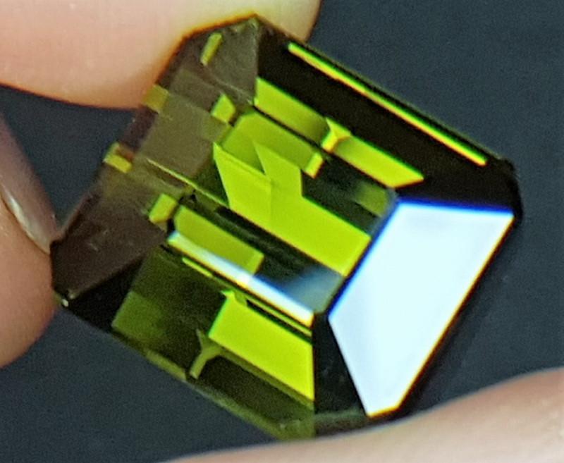 20.90cts, Green Tourmaline,  VVS