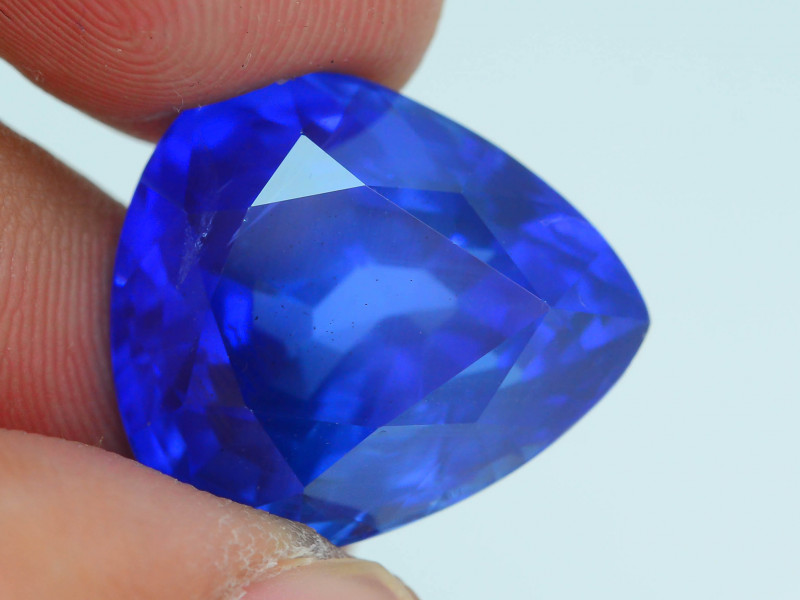 AAA Grade & Color 24.63 ct Royal Blue Sapphire