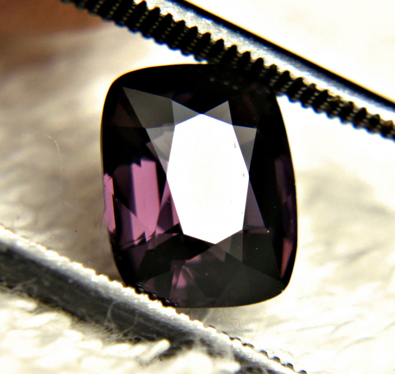 2.50 Carat Purple VVS African Spinel - Gorgeous