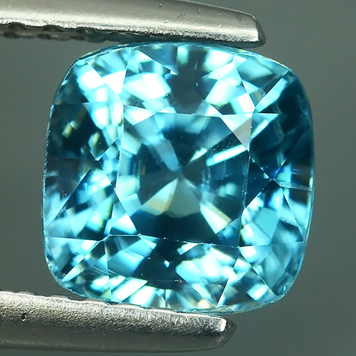 2.60 CTS DAZZLING NATURAL RARE TOP LUSTER INTENSE BLUE ZIRCON