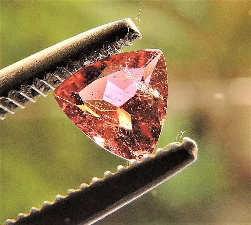 0.30ct TRILLION FACETED BRIGHT PINK TOURMALINE GEMSTONE FROM BRAZIL